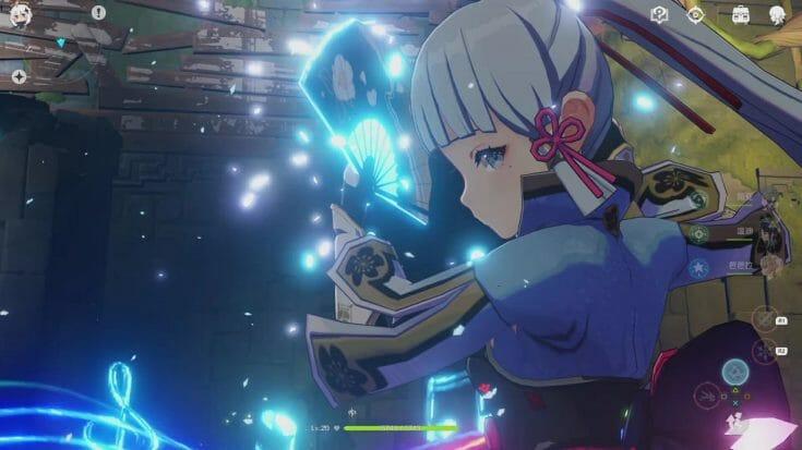 Vur rapprochée du personnage Ayaka en combat dans Genshin Impact Écran Partagé